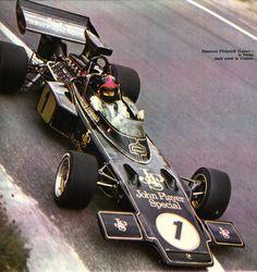 Emerson Fittipaldi - Lotus JPS-Ford V8 - Grand Prix de France (Charade) 1972 L'Automobile Août 1972