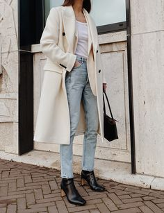 Mannon Double Breasted White Coat Arket White Blazer Redone Ribbed Tank Top Citizens of Humanity Charlotte High Rise Jeans And Other Stories Leather Boots Bottega Veneta Arco 33 Leather Bag Look Fashion, Autumn Fashion, Fashion Outfits, Womens Fashion, Fashion Ideas, Fashion Styles, Fashion Clothes, Fashion Edgy, Fashion 2017