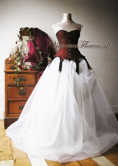 Gothic couture noir ball gown wedding dress with steel boned victorian  corset korsett Gothic Gowns 2b9701a269ec