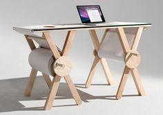 全長約1kmのメモ帳的な机はいかが?