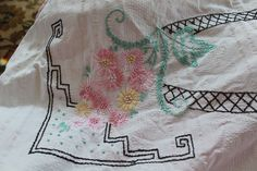 VTG Embroidered Summer COTTON SHEET/BEDSPREAD-DOUBLE/Full Size Floral Lace Edge