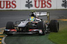 Round 1, Rolex Australian Grand Prix 2013, Race, Esteban Gutierrez, Sauber F1 Team, Runs Wide