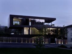 Stunning Modern Onstage House by SimmenGrouphas