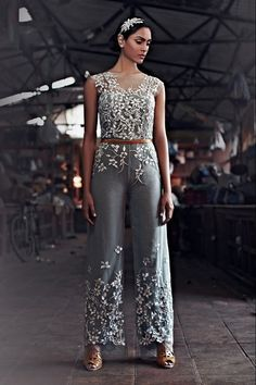 """beautifulsouthasianbrides:  Photos by:Omkar Chitnis Outfits by:Karleo """"Karleo S/S 2014"""""""
