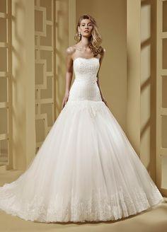 2015 A-Line Strapless Chapel Train Lace Wedding Dresses