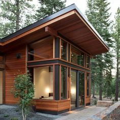 86 Modern Shed Design Looks Luxury to Complement Your Home ? 86 Modern Shed Design Looks Luxury to Complement. Chalet Modern, Small Modern Cabin, Modern Shed, Small Modern House Exterior, Modern Cabins, Modern Houses, Tiny House Cabin, Tiny House Plans, Cabin Homes
