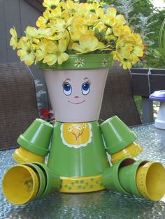 CLAY POT SWEETHEART MADE BY ANGELA Flower Pot Art, Clay Flower Pots, Painted Flower Pots, Painted Clay Pots, Flower Pot Crafts, Clay Pot Projects, Clay Pot Crafts, Clay People, Cute Clay