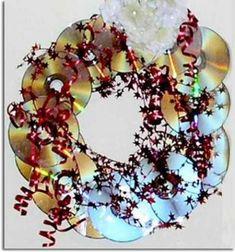 corona navideña con cd