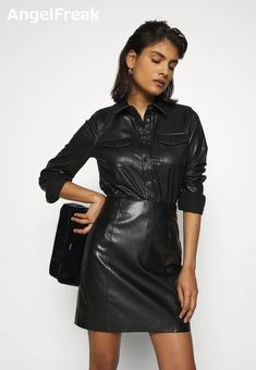 Elegantes Outfit, Edgy Outfits, Leather Fashion, Latex, Leather Skirt, Black Leather, Clothes For Women, Sexy, Womens Fashion