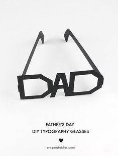 Father's Day Printables on Frugal Coupon Living. We gathered some of the most adorable and creative dad gifts and ideas on Frugal Coupon Living. Fathers Day Presents, Fathers Day Cards, Gifts For Dad, Mr Printables, Father's Day Printable, Dad Crafts, Crafts For Kids, Toddler Crafts, Fathersday Crafts