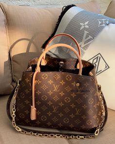 Mochila Louis Vuitton, Louis Vuitton Shoes, Louis Vuitton Wallet, Louis Vuitton Monogram, New Louis Vuitton Handbags, Small Louis Vuitton Bag, Fashion Handbags, Tote Handbags, Purses And Handbags
