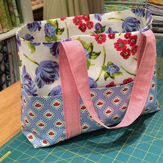 Emily Taylor Design is where you'll find Emily's fabric and patterns as well as easy sewing and quilting tutorials. Quilting Tutorials, Quilting Projects, Sewing Projects, Sewing Tips, Scripture Bag, Scrappy Quilts, Patchwork Quilting, Textiles, Carry All Bag