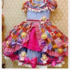 Ahhhh e o amor por nossas princesas caipiras que não cabe no peito ! #bonecascaipiras #princesascaipiras Little Girl Dresses, Little Girls, Girls Dresses, Princess Tutu, Halloween 2017, Kids Wear, Animals And Pets, Doll Clothes, Apron