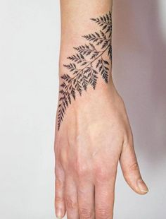 Sleek Wrist Tattoo Ideas for Women