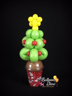 Christmas Party Favors, Christmas Candy, Christmas Crafts, Christmas Decorations, Xmas, Christmas Tree, Balloon Ideas, Balloon Decorations, Twisting Balloons