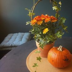 Saturday  #homedecor #homesweethome #myhouse #myhome #home #homeinspo #homeinterior #interiordesign #interiors #interior #sisustus #sisustusinspiraatio #inredning #decoration #decor #pumpkin #flowers #kurpitsa #krysanteemi #instahome #homeinspo #kitchen #keittiö