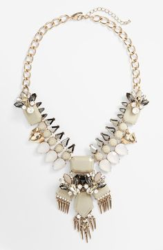 Gorgeous stone statement necklace