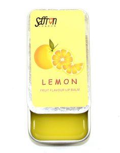 Το Saffron Flavoured Lip Balm είναι ένα ενυδατικό lip balm, σε κρεμώδη μορφή, που έρχεται σε έξυπνη, συρταρωτή συσκευασία. Απλώνεται εύκολα και έχει ευχάριστο φρουτένιο άρωμα, χαρίζοντας στα χείλη σας υγιή λάμψη.
