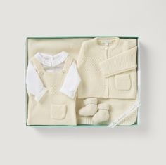 Knitted Blanket, Overall, Baby Boy Shirt, Overall & Booties #mariechantal #baby #babygifting #onesie