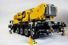 Lego Technic 42009 Mobile Crane by Oxycrest, via Flickr