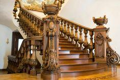 Дубовая резная лестница