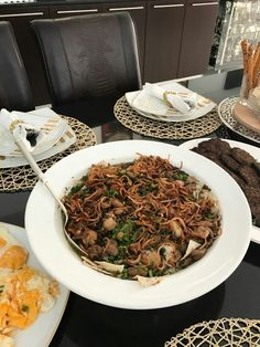 Tashreeb Bagala is one of the most loved dishes on the Iraqi breakfast table my version it's a bit different from the classical old recipe I add a lot of crunchy onions and mint on the top with lemon &Vinger sauce on the top .fried eggs is a must with the Tashreeb