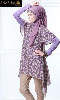Shafira's loose short-sleeved tunic
