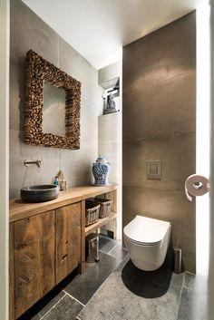 RestyleXL eiken meubel in toilet