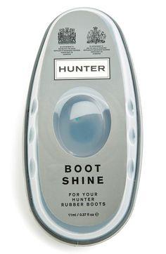 Hunter Boot Shine Sponge http://rstyle.me/n/uv3ednyg6