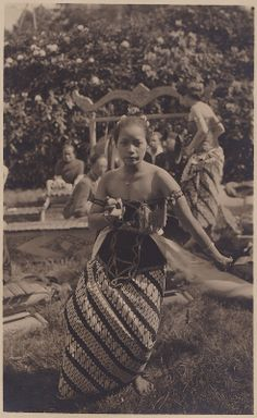Tempo Doeloe #79 - Indonesian Dancer in Holland, 1928 / ITA, Arnhem