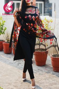 Shop Black Organza Handpainted Maroon Golden Stole - Stoles Online in India Kurta Designs Women, Kurti Neck Designs, Kurti Designs Party Wear, Saree Blouse Designs, Stylish Dresses For Girls, Stylish Dress Designs, Designs For Dresses, Indian Fashion Dresses, Dress Indian Style