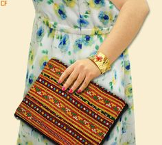 Go aztec print this season to get in the trendy mode. #Aztec #JuteBags #DroomFashion Visit us on http://www.droomfashion.com