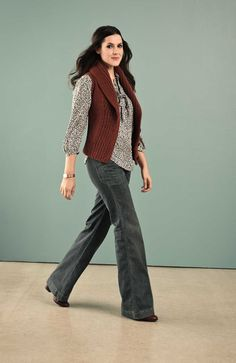 Kendi of style blog Kendi Everyday, wearing our vintage-inspired Fossil Gretchen Top. GREAT JEANS!