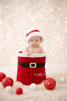 29 Babies Who Totally Nailed Their First Christmas Photo Shoot First Christmas Photos, Christmas Minis, Babies First Christmas, Christmas Pictures, Christmas Ideas, Christmas Quotes, Christmas Inspiration, Newborn Pictures, Baby Pictures
