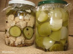 savanyúság felöntőlé Vegetarian Recipes, Healthy Recipes, Hungarian Recipes, Chutney, Preserves, Pickles, Cucumber, Garlic, Goodies