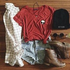 | skittlesprinkles | Roupas Fashion, Grunge Outfits, Tumblr Outfits, Hipster School Outfits, Grunge Fashion, Teen Fashion, Casual Outfits, Cute Outfits, Fashion Outfits