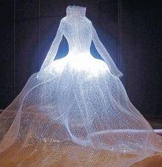WINDOW DRESSING: Tae Gon Kim's Dress
