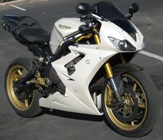 2007 triumph daytona 675 white - Google Search