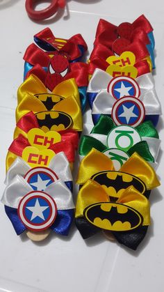 Pacote com 10 laços (5 pares) Dog Accesories, Diy Hair Accessories, Dog Bows, Baby Bows, Ninja Turtle Crafts, Puppy Party, Puppy Clothes, Making Hair Bows, Pet Costumes