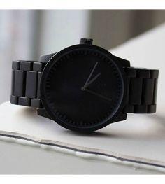 Wat een gaaf horloge! Lekker stoer en super mooi  - wonenmetlef.nl