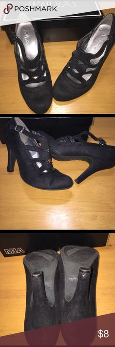 Mia black round toe heels Black shoes with adjustable strap. Does show signs of wear including scuff on right heel. Price reflects this. MIA Shoes Heels