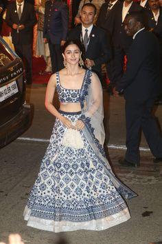 PICS: Isha Ambani-Anand Piramal Wedding: Alia Bhatt looks drop-dead-gorgeous in a blue and ivory Manish Malhotra lehenga - Images Girls Alia Bhatt Lehenga, Manish Malhotra Lehenga, Patiala Salwar, Silk Lehenga, Anarkali Suits, Bollywood Lehenga, Sabyasachi, Indian Dresses, Indian Outfits