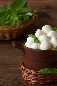 ♂ Food styling photography Italian mozzarella cheese.