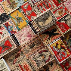 Vintage retro ilustration match boxes ideas for 2019 Vintage Packaging, Vintage Labels, Packaging Design, Retro Vintage, Vintage Box, Arte Gcse, Matchbox Art, Light My Fire, Vintage Designs
