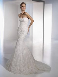 Trumpet/Mermaid Sweetheart Lace Organza Chapel Train Wedding Dress