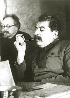 И.В.Сталин и Г.Л.Пятаков в президиуме Всесоюзного совещания трактористов в Кремле. Дата съемки: декабрь 1935