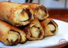 nutella and banana french toast roll ups. (Sub PB for Nutella in some? French Toast Roll Ups, Nutella French Toast, Banana French Toast, What's For Breakfast, Breakfast Dishes, Breakfast Dessert, Banana Roll, Bon Dessert, Banana Dessert