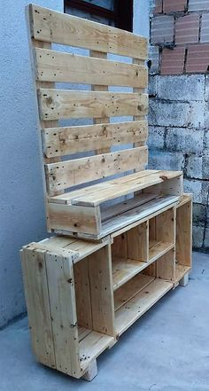 Fun Pallet Projects To Create Awesome Creations: Recycled wood pallet furniture . - Fun Pallet Projects To Create Awesome Creations: Recycled wood pallet furniture has become popular - Diy Pallet Wall, Diy Pallet Sofa, Wooden Pallet Projects, Pallet Crafts, Pallet Ideas, Wood Ideas, Pallet Furniture Designs, Wood Pallet Furniture, Furniture Projects
