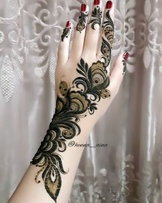 Image may contain: one or more people Front Mehndi Design, Arabian Mehndi Design, Palm Mehndi Design, Rose Mehndi Designs, Arabic Henna Designs, Stylish Mehndi Designs, Mehndi Design Photos, Wedding Mehndi Designs, Henna Designs Easy