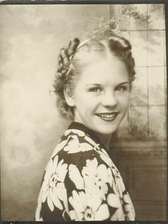** Vintage Photo Booth Picture **   Phyllis with little sausage curls